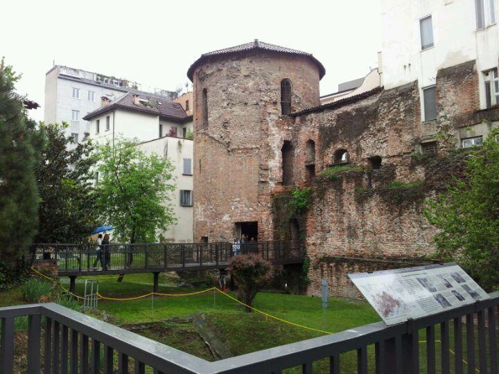 Milano dei Romani, torri delle mura romane e del circo, musei con resti archeologici romani, etruschi, paleocristiani, longobardi e carolingi. http://www.milanoamilano.com/