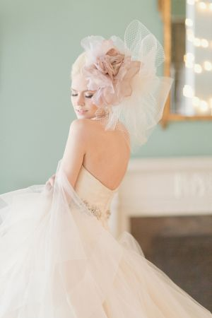 Oversize Tulle Flower Bridal Hairpiece   photography by http://www.elisabethmillay.com