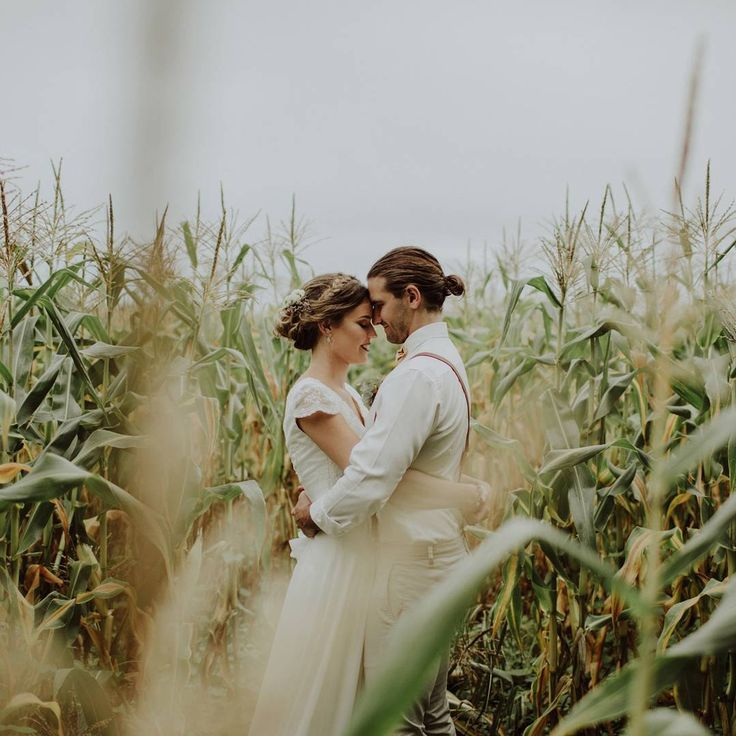 "963 gilla-markeringar, 14 kommentarer - Hello May (@hellomaymagazine) på Instagram: ""REAL WEDDING // Georgia and Alberto's beautiful North Coast wedding was a romantic affair, filled…"""