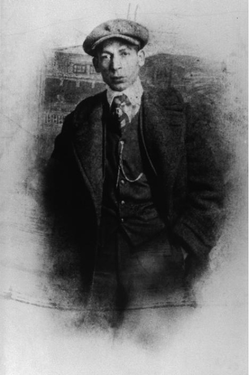 """Uncredited Photographer     Jelly Roll Morton, New orleans     1910    """"Get up from that piano. You hurtin' its feelings.""""  Jelly Roll Morton"""