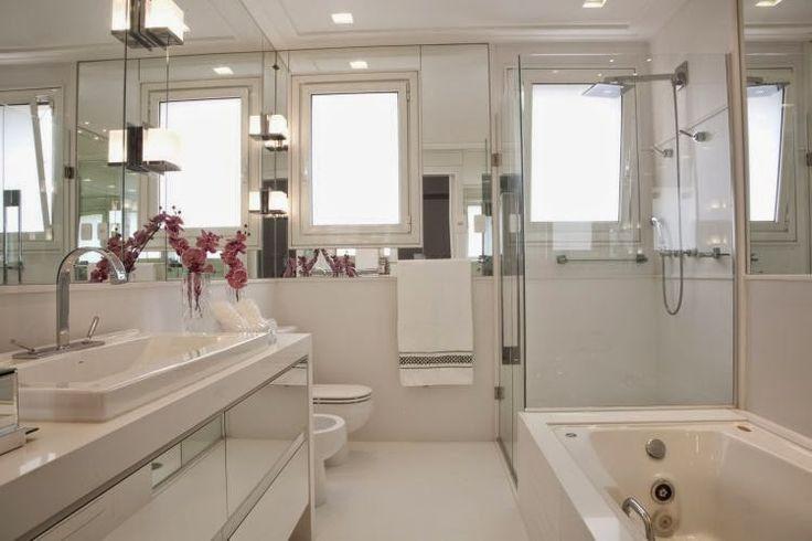 10 Banheiros Modernos com Armários Espelhados! Confira!!!