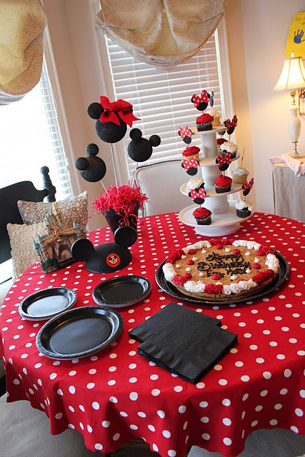 Great Table Centerpiece and Cupcake Picks!  Love the Dimension of bows!