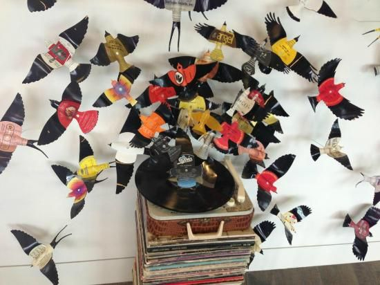 29 best images about vinyl ideas to try on pinterest for Crafts with old records