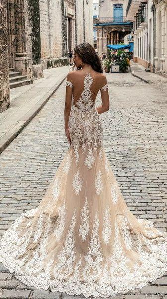 Champagne Julie Vino Wedding Dresses 2018 Off Shoulder Deep Plunging Neckline Bridal Gowns Sweep Train Lace Wedding Dress Custom Made