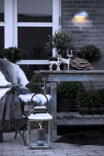Une belle terrasse pour Noël - Noël : la magie d'une déco extérieure réussie - CôtéMaison.fr