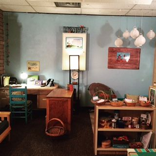 School Counseling Office Space & Decor.  Just a few decorating ideas for your school counseling office.