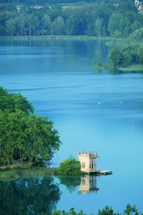 The Beautiful Lake in Banyoles, Girona, Catalonia (Daniel Julián)