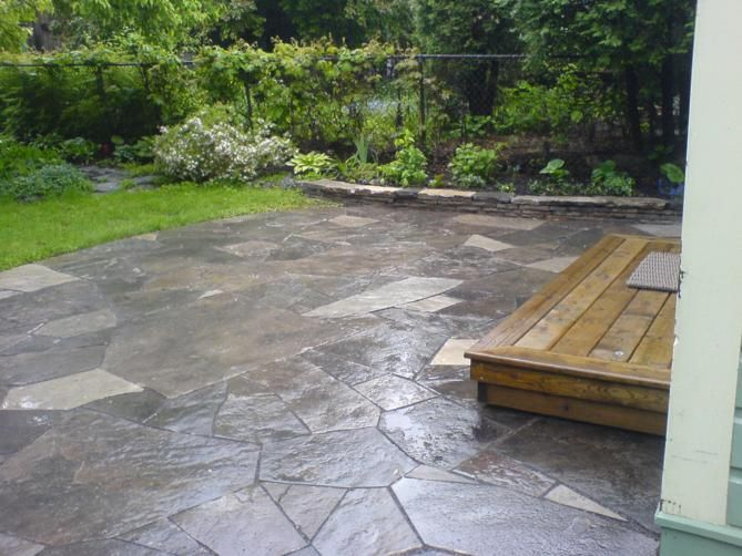 We Specialize In Flagstone Patios And Walkways, Dry Laid And Set In Cement.  Here Are Pictures Of A Flagstone Patio And Walkway Completed Here In Ottawa.