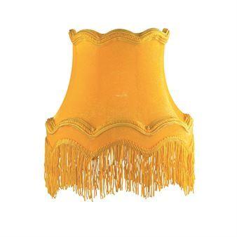 Upea, 70-luvulta vaikutteita saanut Moster-lampunvarjostin on saatavana useissa iloisissa väreissä, ja siinä on varjostimen väriset pitkät, hienot hapsut.