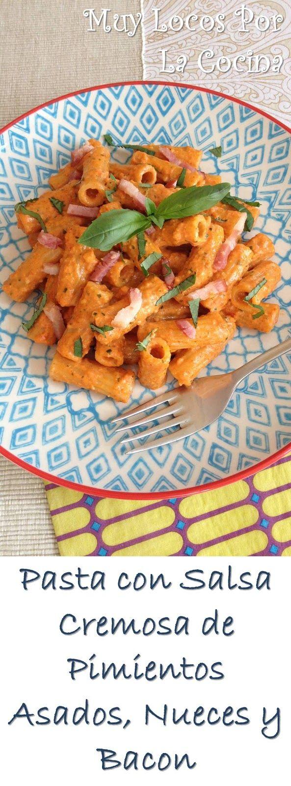 Twittear     Este plato de pasta tiene una salsa deliciosa a base de pimientos rojos asados y nueces que va aromatizada con a...