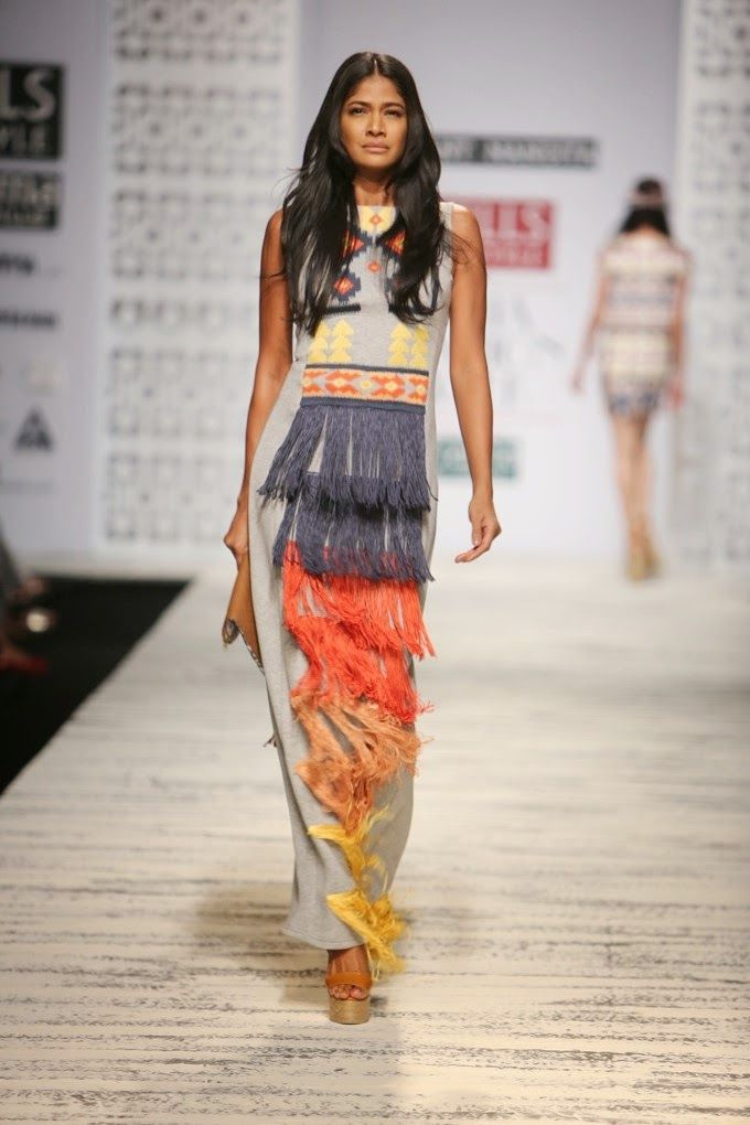 Hemant & Nandita - Wills India Fashion Week - Spring/Summer 2015 - now available on portemode.com