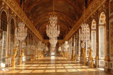 Hoe barok hedendaagse kantoren ook zijn, tegen de Spiegelzaal kan geen ...