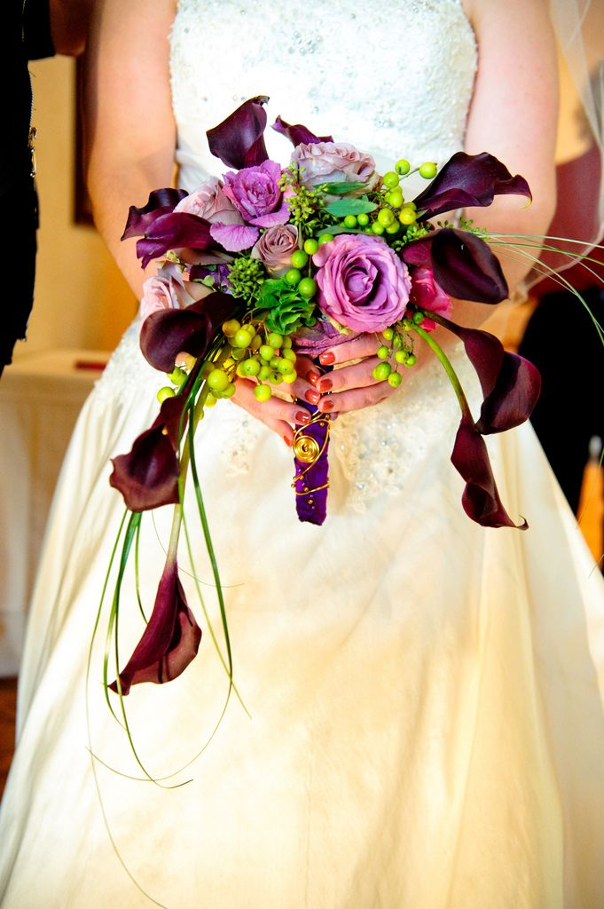 Crescent shaped bridal bouquet flickr photo sharing for Crescent bouquet
