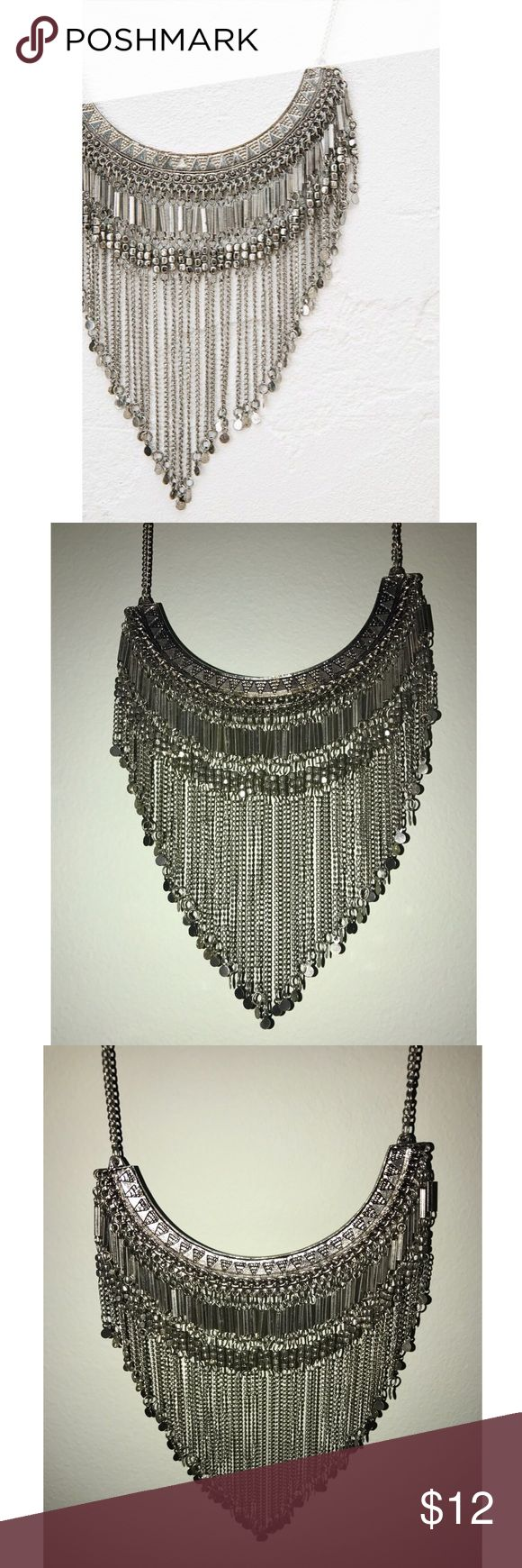 Bershka Statement necklace Cool bohemian/ Aztec style necklace from Bershka, the women's fashion store hailing from Spain. Dark silver and intricate details on the dangling chains. Very unique find. Bershka Jewelry Necklaces