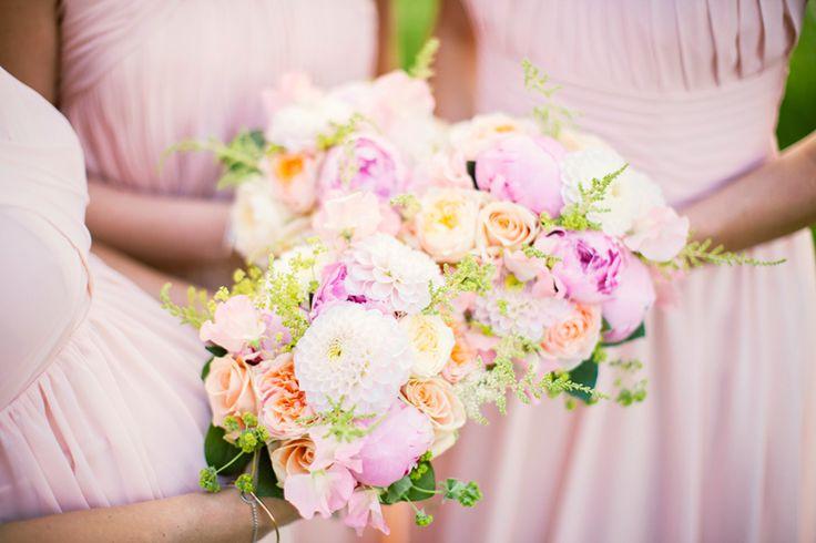 Beautiful weddingflowers!     Photography by Jenny Drakenlind     www.jennydrakenlind.com   