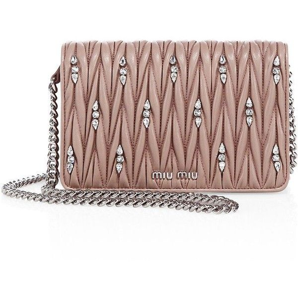Miu Miu Matelasse Leather & Crystal Chain Wallet (6.215 BRL) ❤ liked on Polyvore featuring bags, wallets, apparel & accessories, chain strap bags, brown bag, chain shoulder bag, crystal wallet and brown leather bag