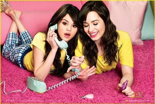Selena #Gomez, Gadis Cilik Imut yang Kini Tumbuh Dewasa ~ #DZmodis #NEWS #Fashion news.deluxezoneshop.com