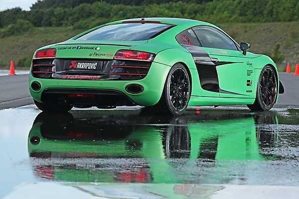 2018-2019 Audi R8 V10 Racing One — green track car
