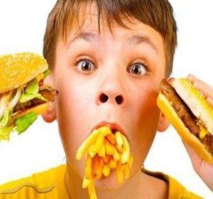 Mananci des fast-food? De ce boli risti sa te imbolnavesti![…]
