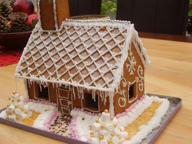 25 B Sta Gingerbread House Kits Id Erna P Pinterest Kexhus