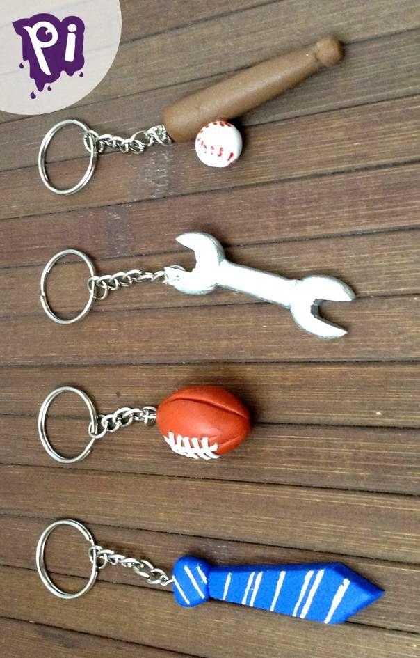 Llaveros para Papá de Pasta Francesa, Cold porcelain keychains for dad, Una corbata, una llave de tuercas, un balón de Fútbol americano y un bat de baseball, Manualidades Bricolaje, Handmade, Crafts, porcelana fria, DIY.