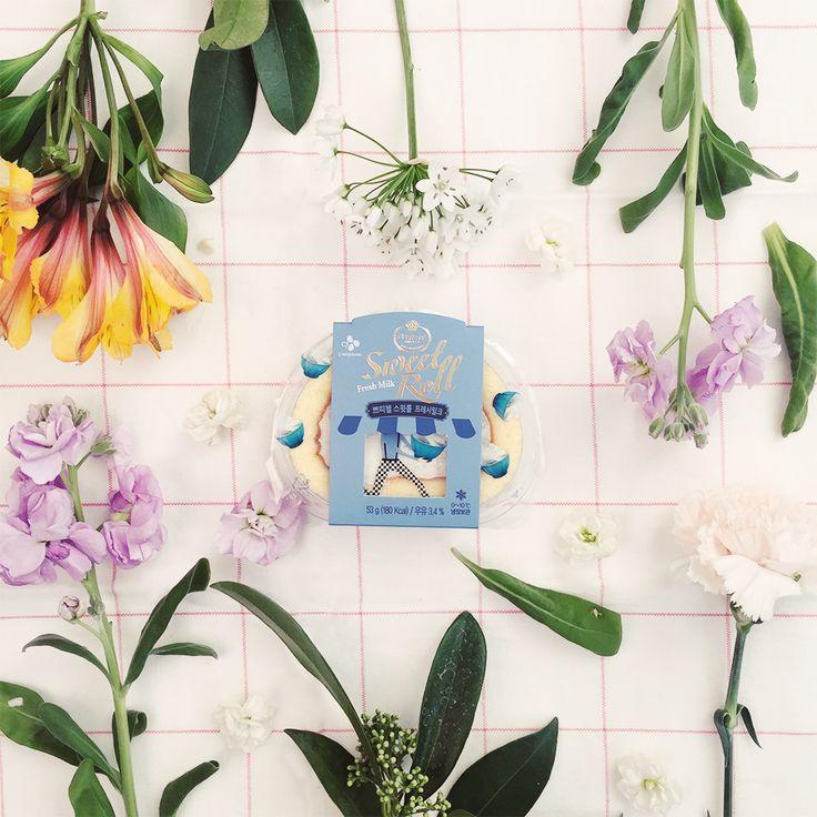 꽃을 보며 흠이 있다고 비판하지도, 어째서 색깔이 이것 밖에 안되느냐고 따지지도 않는 것처럼  오늘 하루는 부드러운 눈길로 스스로를 바라봐주는 건 어떨까요?  이것이 바로 #스윗브레이크의 첫 발걸음!