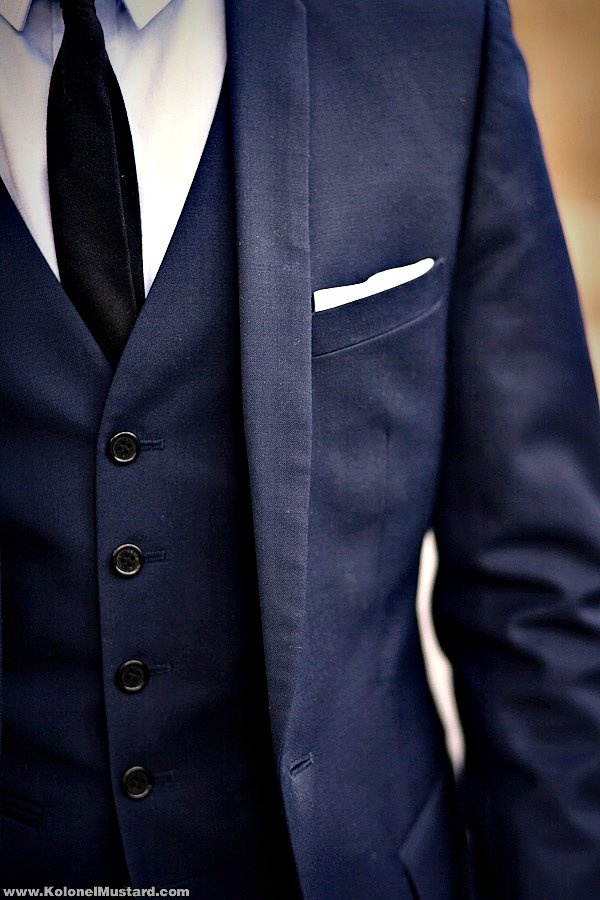 My girlfriend loves three piece suits, and me in blue... Navy+three-piece suit=Obsessed Female