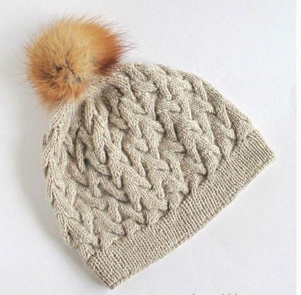 Зимняя шапка вязаная спицами с помпоном из натурального меха. Шапка…
