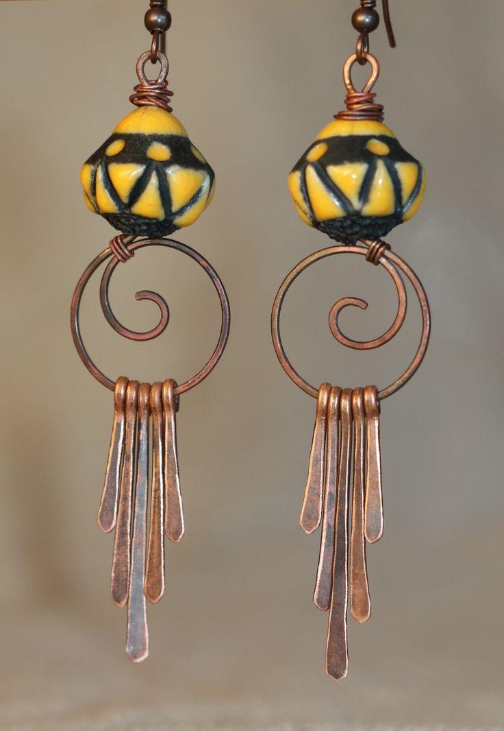 """""""SUR COMMANDE"""" Boucles d'oreilles boho ethniques rustiques, perles céramique raku, cuivre martelé.... : Boucles d'oreille par nina-ziya-bijoux"""