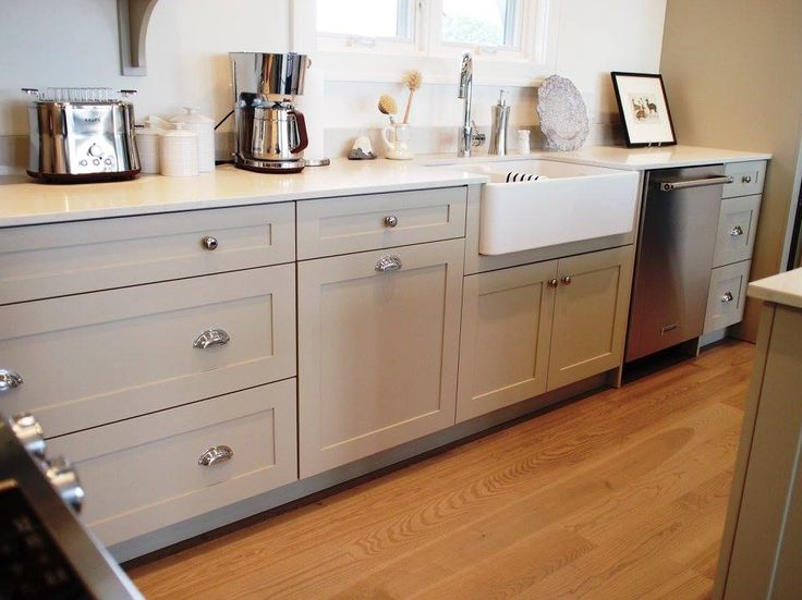 25 best ideas about benjamin moore pashmina on pinterest gray kitchen cabinet paint colors transitional kitchen