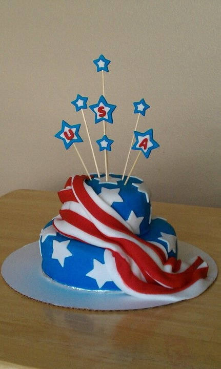 American Flag Cake !! XOXO. ( it's made with fondant p.s.) !!* <3's iT.