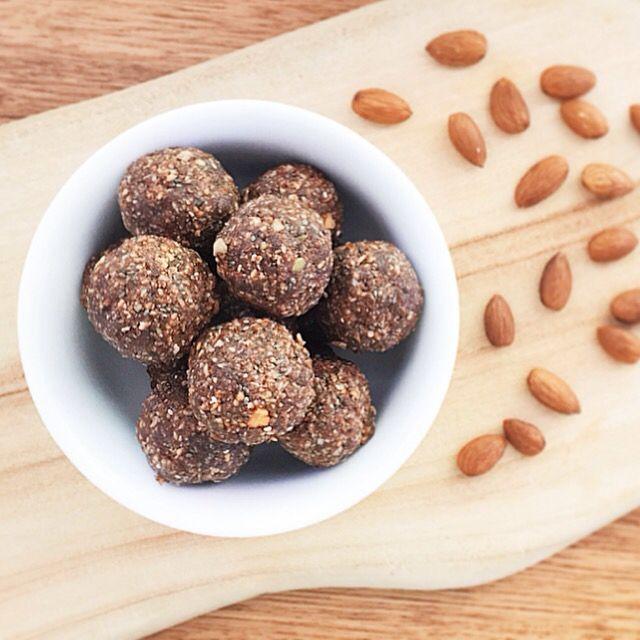 Choc-peanut butter balls #chocolate #peanutbuttter #blissballs