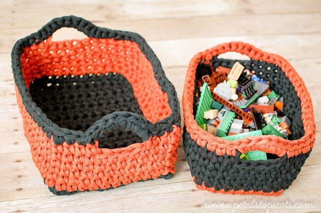 Rectangular Crochet Nesting Baskets ... FREE pattern to use with tshirt yarn