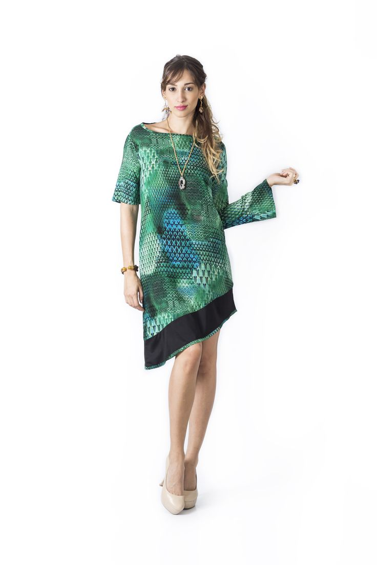 Bosque Paraíso Collection REF:VE0018 SIZE: XS-1W Material: Viscose/100Colors: emerald green, red, blue king.