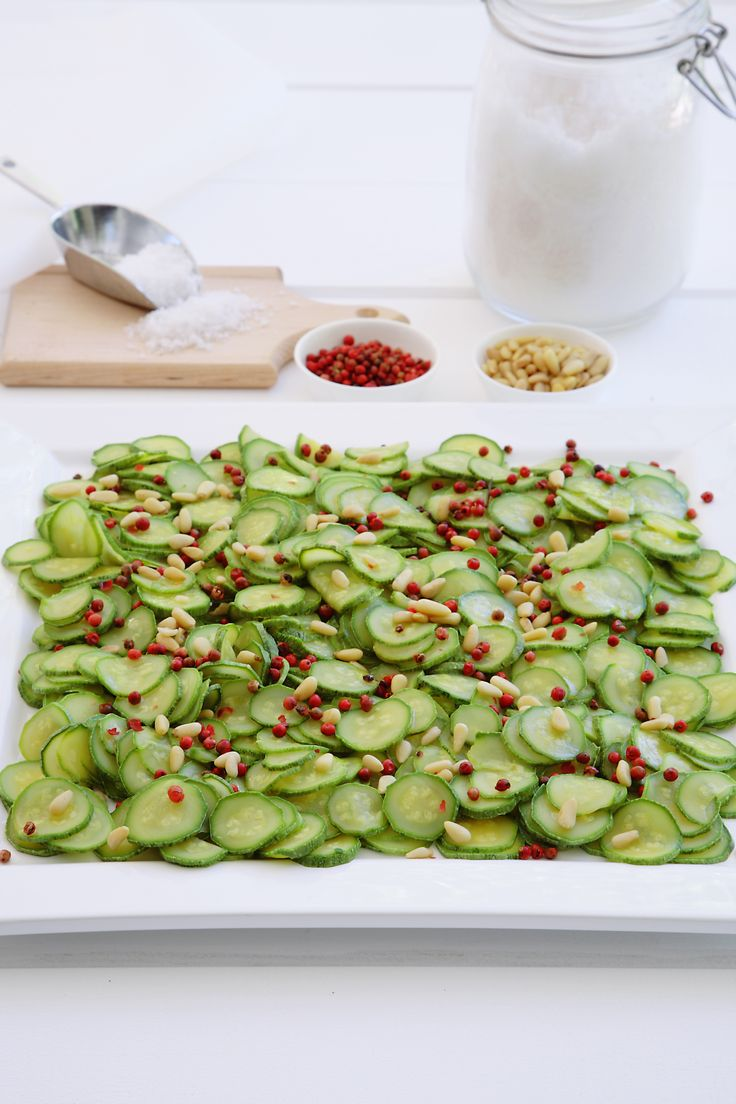 Zucchini Carpaccio http://www.instyle.gr/recipe/karpatsio-kolokithiou/
