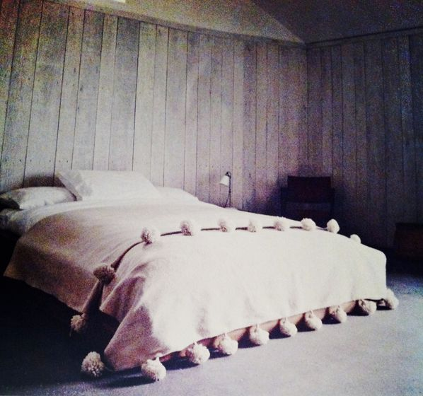 pompom bed coverBeds Covers, Pom Poms, Elle Decor, Pompom, Dusty Pink, Master Bedrooms, Wooden Wall, Pom Blankets, Wood Wall