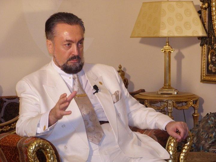 Müslüman'ın vasfıdır müjde vermek, insanları cennetle müjdelemek, Allah'ın varlığıyla müjdelemek... ALLAH'IN VARLIĞI EN BÜYÜK MÜJDEDİR.   (A9 TV; 24 Kasım 2012)