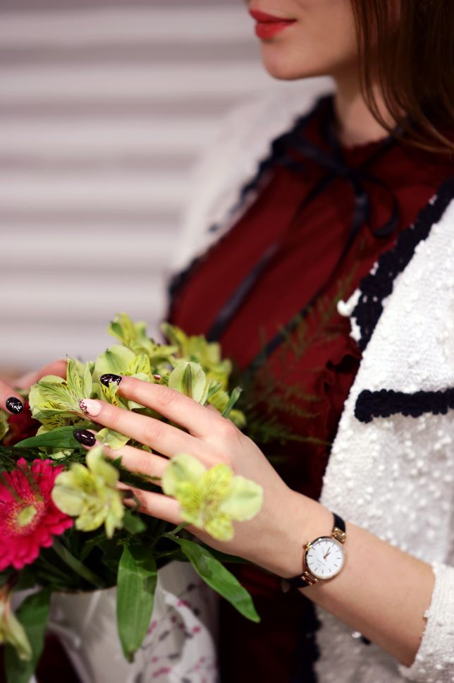 Czerwona Sukienka Bialy Zakiet Czarne Ponczochy I Lakierowane Szpilki Ari Maj Personal Blog By Ariadna Majewska