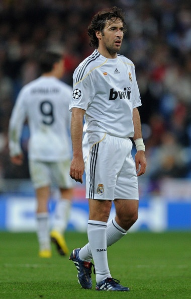 Raul Gonzalez Photo - Real Madrid v Lyon - UEFA Champions League