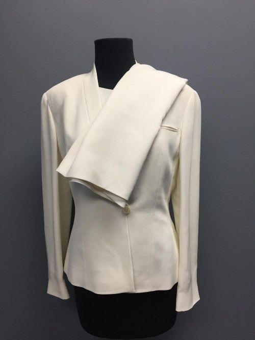 294.03$  Watch now - http://viuld.justgood.pw/vig/item.php?t=tpwh12059456 - GIORGIO ARMANI Ivory Silk Blend Three Piece Career Skirt Suit Sz 6/8 CC3798