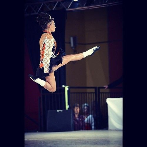 2014 World Champion Ceili Moore. How high, straight, pointed...? Pretty perfect!
