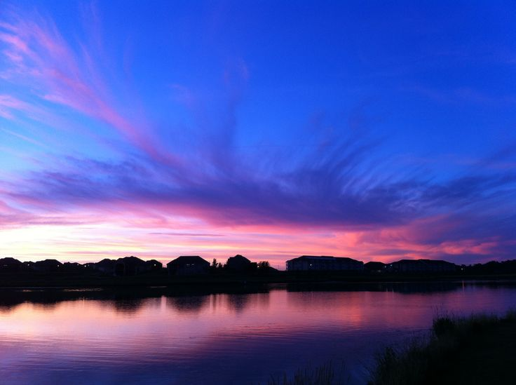 I'm always fishing Youngman Lake in Omaha, Nebraska and catch some pretty amazing pictures.