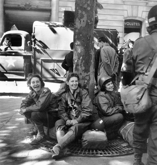 American military nurses in Paris, August 26th 1944
