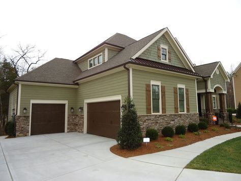 Best House Exterior Brown Roof Vinyl Siding Ideas 400 x 300