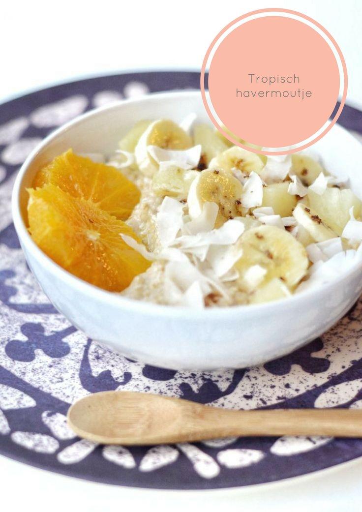 Tropisch havermoutje met banaan, sinaasappel, mango en ananas. The Early Morning Blog.