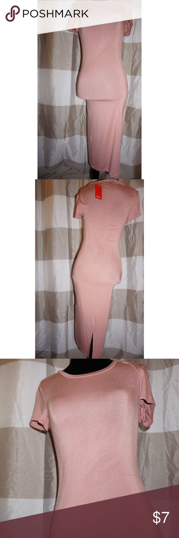 Rose Pink Bodycon Midi Dress Sz Small Midi Bodycon short sleeve dress with small tail split in back. Dress has some dust on it but since it is new with tags a discount was applied. The dress will just need to be washed or wiped clean. Dress and colour is very versatile and can go from office wear to evening out, with nude lips or even the same Pink rosy lip color with gold eyeshadow. Forever 21 Dresses Midi