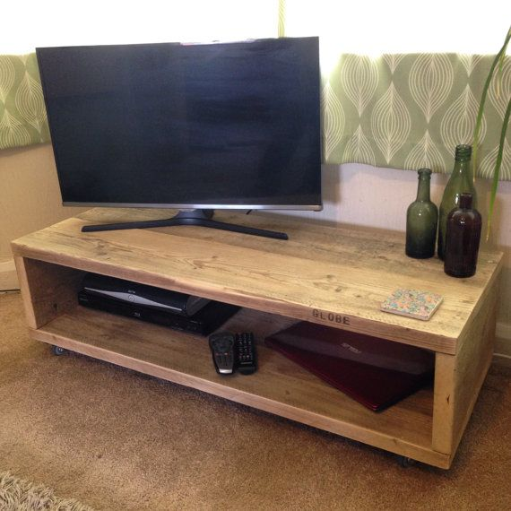 Scaffold board coffee table / TV unit upcycled by JBWoodDesign