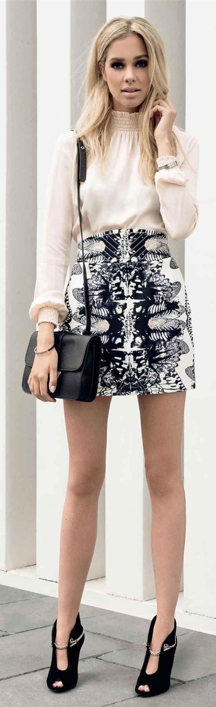 Josh V Yana rok met all over print. Mini rok in een stevige kwaliteit met een high waist. Tulp model.