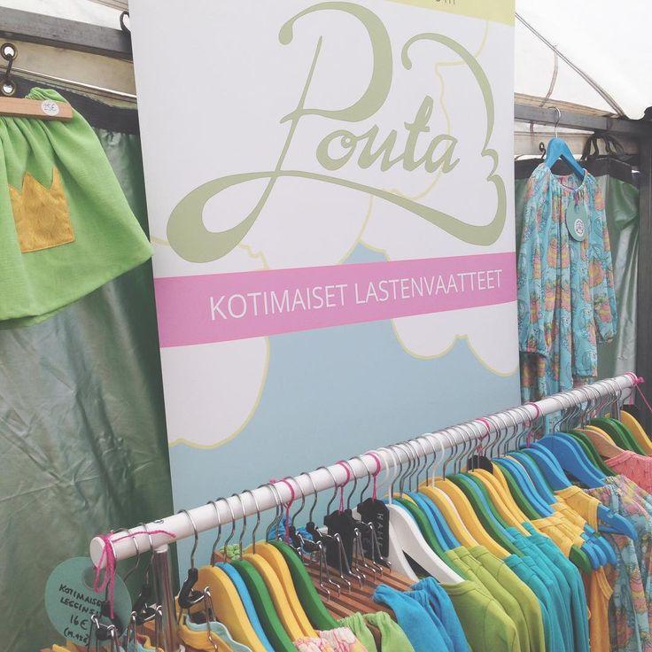 Markkinameininkiä Laihialla 😊. Tuu käymään! #poutapukimo #tienpäällä #laihia #markkinat #kotimaiset #lastenvaatteet #ulkoilmaelämää