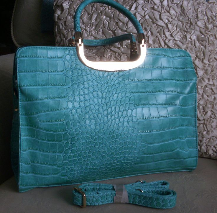 Handbag/Shoulder Bag, Large Faux Crocodile Skin, Beautiful Turquoise, Brand New!